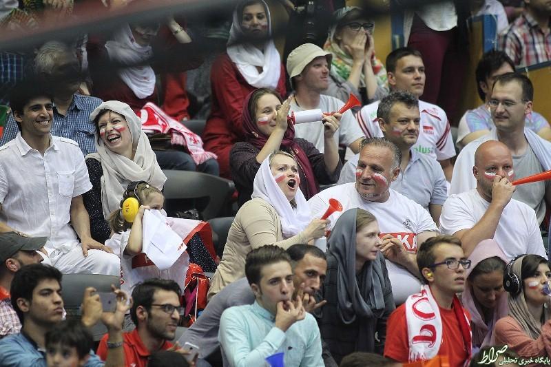 تماشاگران زن بازی ایران – لهستان