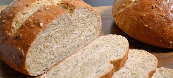 طرز تهیه نان عسلی با تخم آفتابگردان