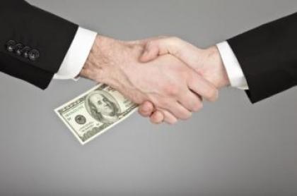 خرید تحقیق در مورد بازشناسی مفهوم فساد اداری؛ علل و پیامدهای آن ( ویژه رشته کامپیوتر )