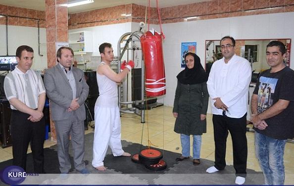 تلاش برای ثبت رکورد ثبت 20 ساعت مشت زنی به کیسه بوکس/ به ورزش و ورزشکاران کردستانی توجه چندانی نمی شوØ