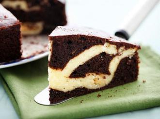 کیک شکلاتی کره ای