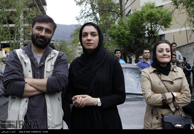 زوج هنرمند در تجمع علیه عربستان در تهران