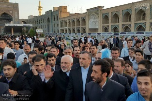 وزیر امور خارجه در حرم مطهر رضوی؛زیارت نذری ظریف