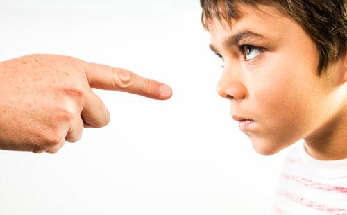 اشتباهات بزرگ و رایج والدین در فرزند پروری