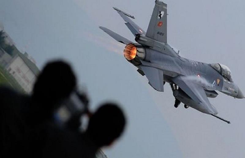 حملات هوایی ارتش ترکیه تا خلع سلاح کامل پ.ک.ک ادامه خواهد داشت