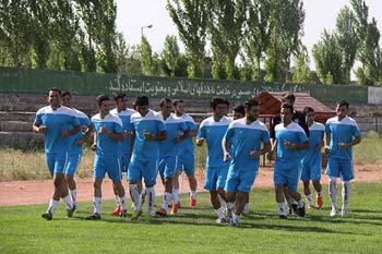 دیدار تیمهای فوتبال شهرداری اردبیل و صبای قم برگزار میشود