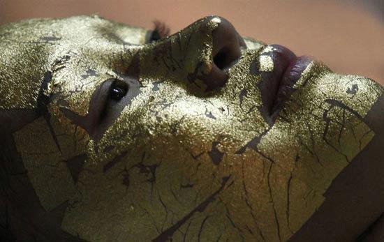 ماسک های آرایشی از جنس طلا