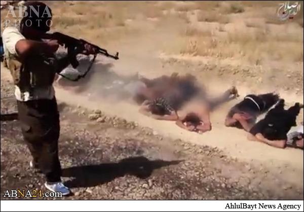 داعش فجیع ترین اعدام تو دنیا رو به نمایش گذاشت کشت کشتار درخاورمیانه هنوز ادامه دارد.