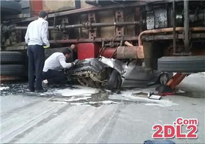 واژگونی کامیون بر روی پراید +عکس