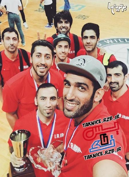 عکس سلفی حامد حدادی و بسکتبالیست های ایرانی بعداز قهرمانی در چین