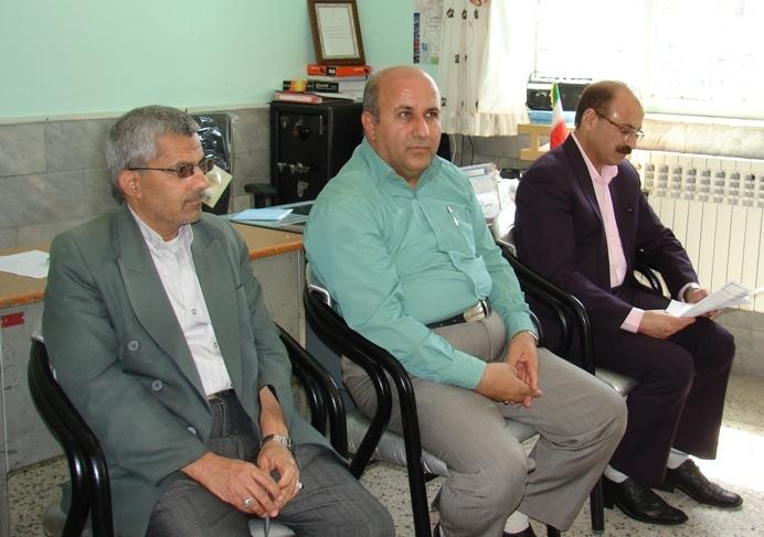 اولين جلسه شوراي معلمان دبستان شهيد آيت (دوره اول) بيرجند