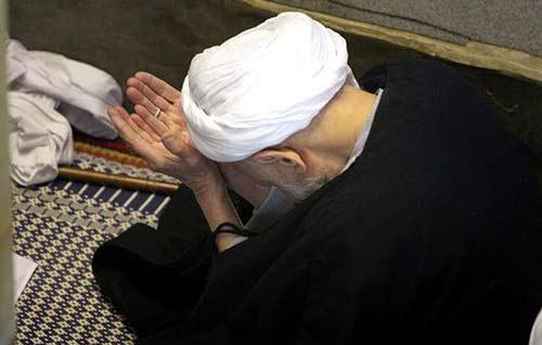 حکمت تکرار نماز از زبان آیة الله بهجت