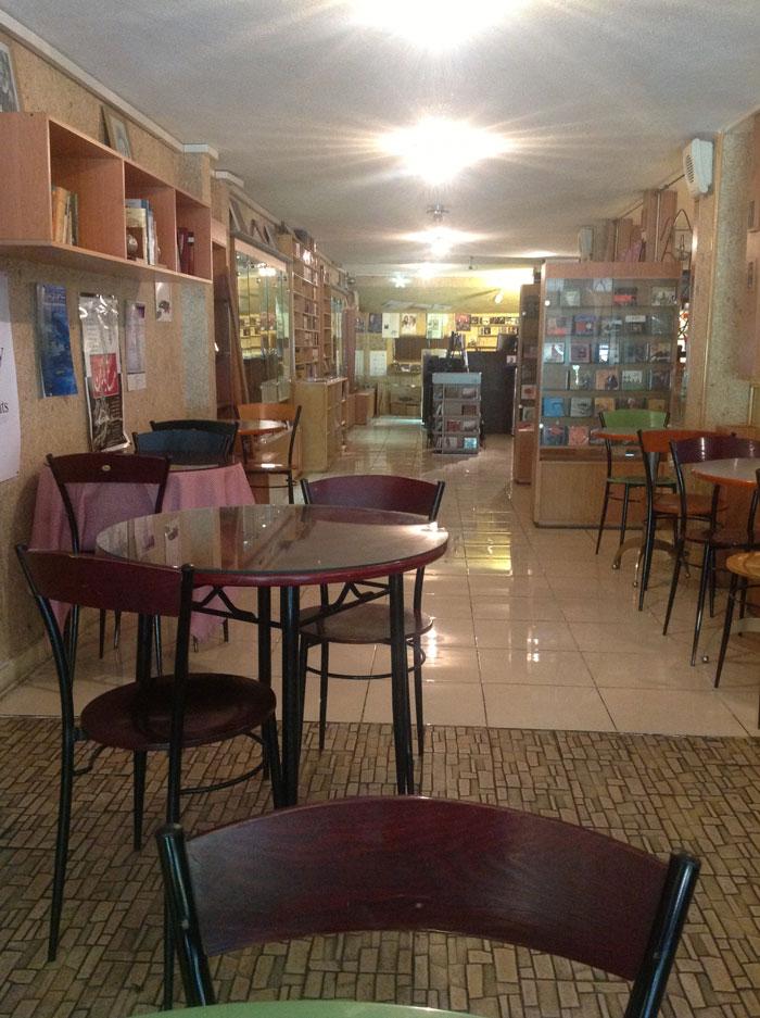 افتتاح کافه کتاب ماهور با حضور هنرمندان