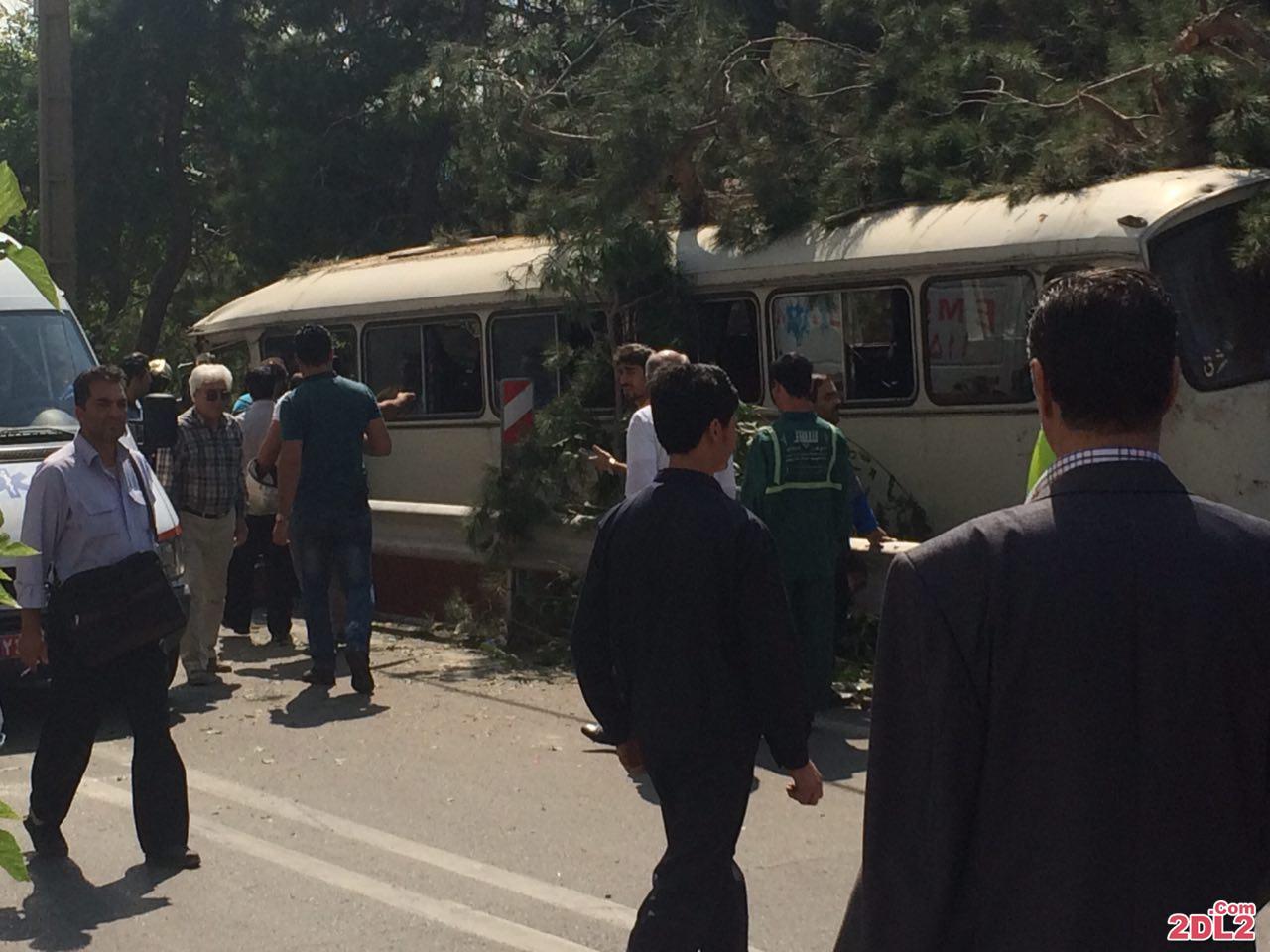 حادثه برای اتوبوس دانش آموزان در جمشیدیه + عکس