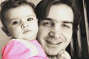 سلفی های جدید و جذاب محسن یگانه و دخترش نگاه