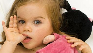 4 عادت رایج در کودکان که باید مراقب آن بود