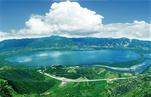 بحران دریاچه زریبار ناشی از سوء مدیریت است / تشریح مهمترین تهدیدات زیست محیطی دریاچه زریبار
