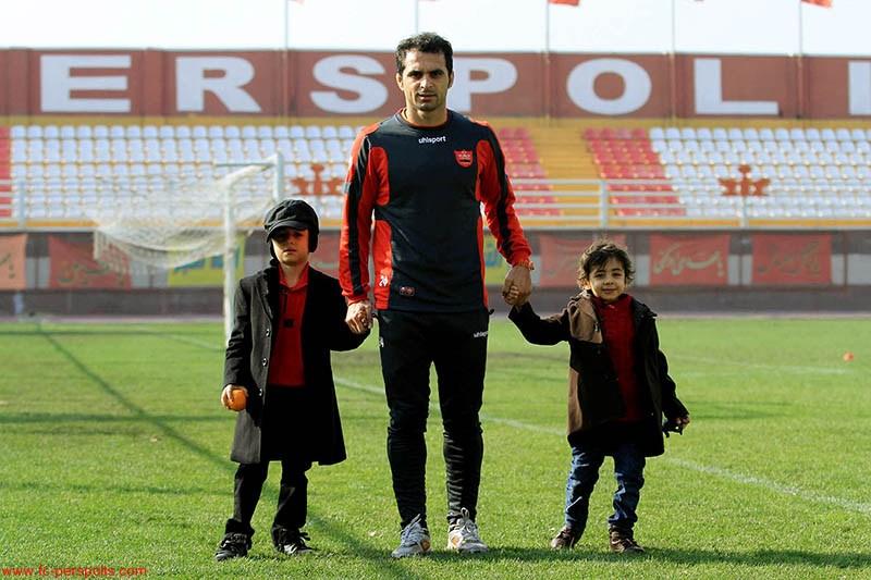 عکس/ هادی نوروزی به همراه دو فرزندش