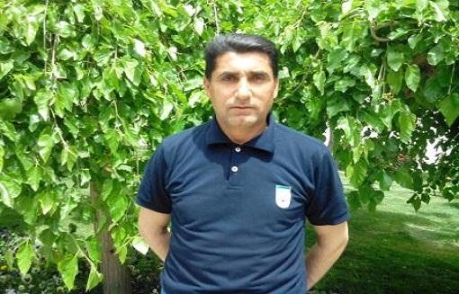داور اشنویه ای مسابقه تیمهای فوتسال ملی امید ایران و امید روسیه را سوت می زند