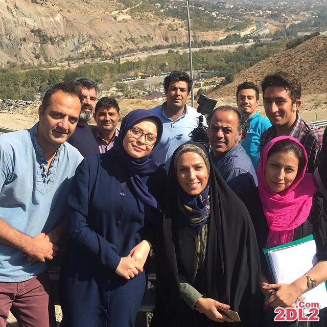 عکس سوگل طهماسبی در کنار عوامل و بازیگران سریال کیمیا