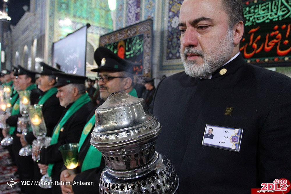 بازیگر سینمای ایران با لباس خادمی امام رضا در مشهد