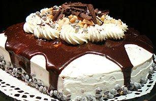 با ماست یک کیک خوش طعم و متفاوت درست کنید.