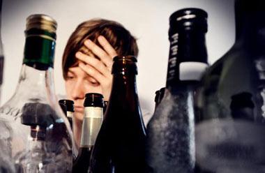 نقش والدین در پیشگیری از اعتیاد نوجوانان به الکل