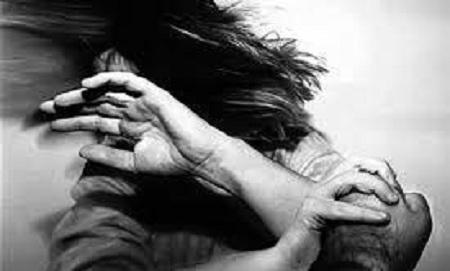 تجاوز به زن مقابل دیدگان همسرش + عکس