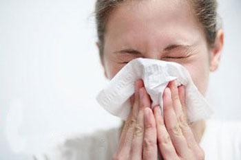 علایم آلرژی و حساسیت و درمان آن در بهار
