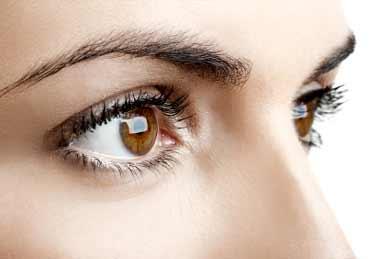 روش درمان پرش پلک و لرزش آنی چشم