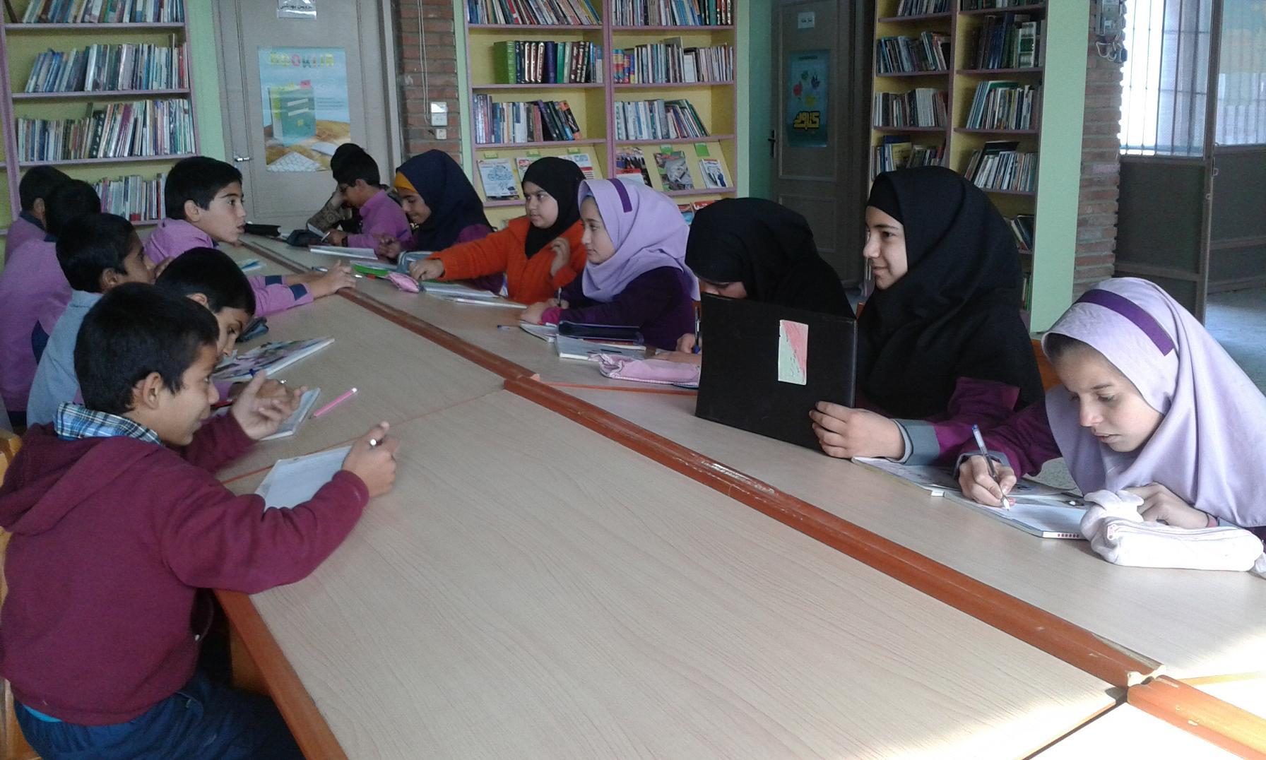 برگزاری مسابقه نویسندگی در هفته کتاب،کتابخانه ثامن الحجج (ع)
