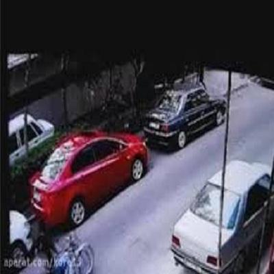 زورگیری از دختر جوان در خیابان پاسداران تهران + فیلم