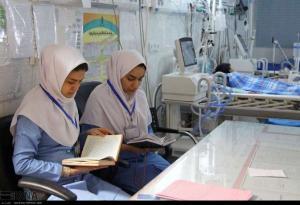 عکس / احیای شب قدر در بیمارستان