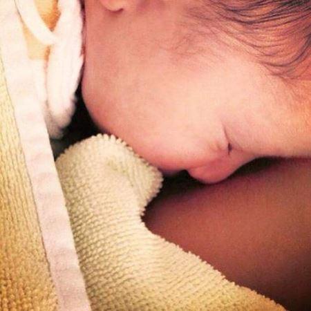 عکس دختر مهناز افشار چند روز پس از به دنیا آمدن