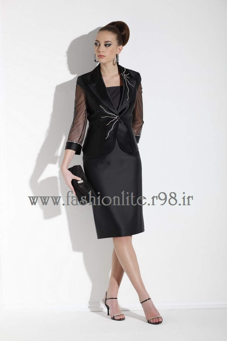 https://rozup.ir/up/fashionlite/Pictures/q/13_choosingclothes.jpg