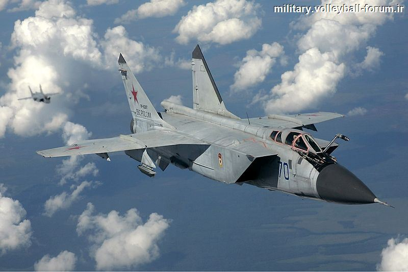آشنایی با جنگنده رهگیر پرقدرت روسیه mig 31 فاکس هوند !