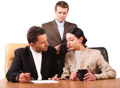 برقراری رابطه احساسی در محل کار, درست یا غلط؟