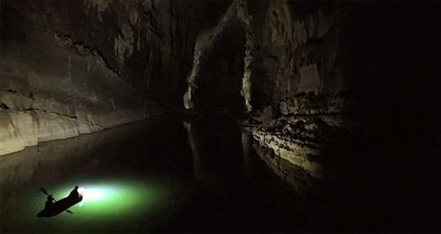 تماشا کنید: سفر به غار اسرار آمیز Xe Bang Fai