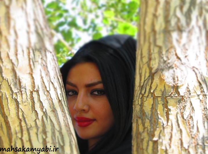 مهسا کامیابی در بین درختان +عکس