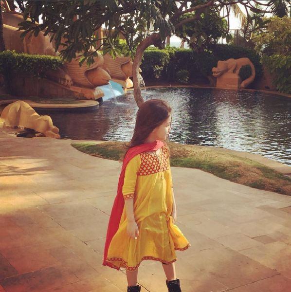 بارانا ، دختر بنیامین بهادری با تیپ هندی + عکس