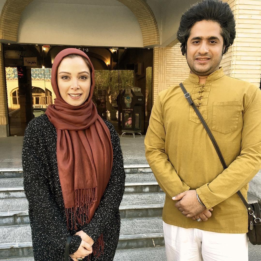 عکس فرناز رهنما در تماشاخانه ایرانشهر