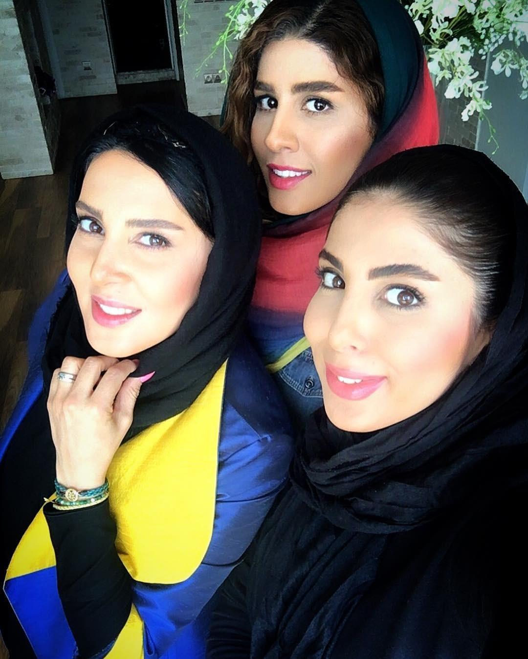 عکس لیلا بلوکات در کنار دو خواهرش