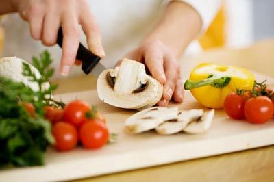 خوراک سبزیجات با سس مخصوص