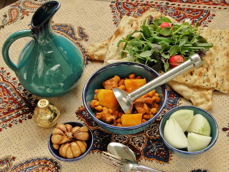 آبگوشت لپه و لیمو عمانی