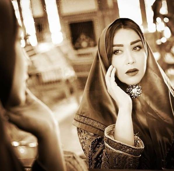 تیپ جالب سارا منجزی در صفحه شخصی اش:تک عکس