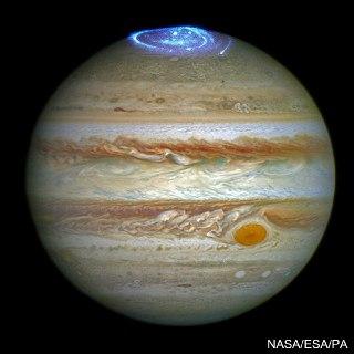 عکس ناسا از شفق قطبی سیاره مشتری