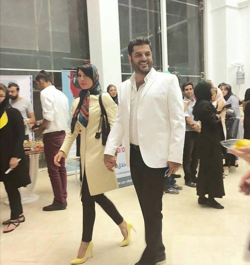 سام درخشانی و همسرش عسل امیرپور در بازارچه خیریه حمایت از کودکان