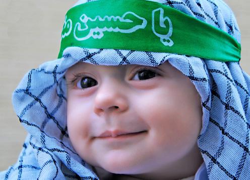 کودک حسینی و دست های مهربان