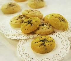 طرز تهیه  شیرینی نان برنجی قزوین