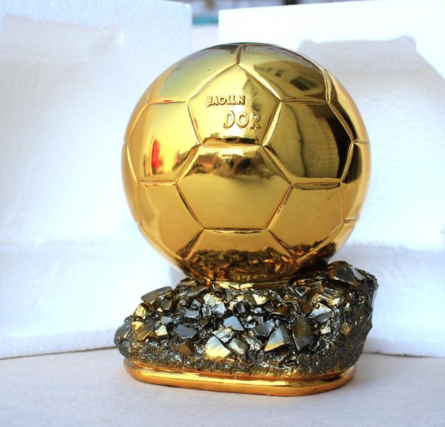 بهترین بازیکن سال فوتبال جهان (فیفا) و برندگان توپ طلا